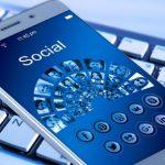 Usuarios de smartphone: 45 % usa las redes sociales mientras mira TV